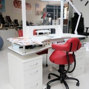 ergonomische electrische zitsta nageltafel met Spinalis stoel Rodeo