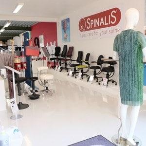 showroom vooraan sept 2020 spinalis ergonomische stoelen